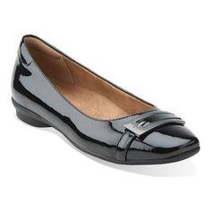 Women's Clarks Candra Glare Flat Patent Leather (US Women's N (Narrow))