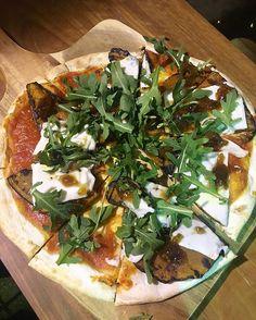 Pumpkin & Notzarella Pizza from @craftbrewhouse  #brisbane #brisbaneeats #brisbanefood #brisbaneanyday #brisbanefoodie #brisbaneblogger #brisbanerestaurants #food #foods #foodies #foodie #foodblog #foodgasm #foodpics #foodporn #foodlover #foodstagram #foodphotography #redlandsanyday #queensland #brisbane #australia #vegan #veganpizza #notzarella #craftbrewhouse #birkdale #pizza @notzarella