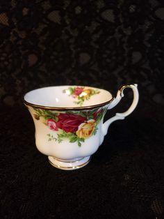 Wedding China, Surprises For Her, Elegant Dining, Royal Albert, China Dinnerware, Diamond Pattern, Bud Vases, Tea Set, Bone China