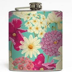 Liquid Courage Flasks™ are six ounce, stainless steel liquor flasks wrapped in amazingly awesome designs. Our hip flasks fit perfectly in your pocket or purse.