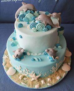 Gloria& pastry: A tender cake with dolphins - Cake - Dolphin Birthday Cakes, Dolphin Cakes, Ocean Cakes, Beach Cakes, Bird Cakes, Cupcake Cakes, Island Cake, Cupcakes Decorados, Mermaid Cakes