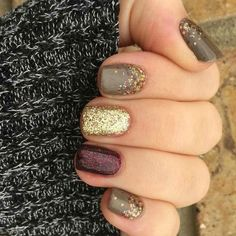 Best Fall Nails for 2018 - 45 Trending Fall Nail Designs Fancy Nails, Pretty Nails, Sparkle Nails, Classy Nails, Hair And Nails, My Nails, Oval Nails, Dipped Nails, Fall Nail Designs