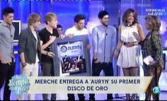 Primer Disco de Oro para Auryn http://www.telecinco.es/quetiempotanfeliz/Primer-Disco-Oro-Auryn_2_1602855061.html