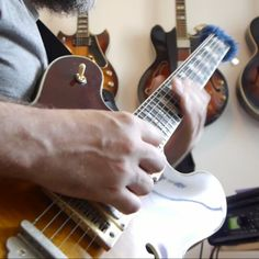 My lesson is not finished. I'll upload it tomorrow! Here's a little lick while you wait!  Let me know if you want the tabs! ☺  #guitar #jazzguitar #jazzguitarlick #guitarlesson #arpeggio #axefx #qsc #ibanez #riffwarsjazz #guitfiddlin #semihollowsunday #lickwars