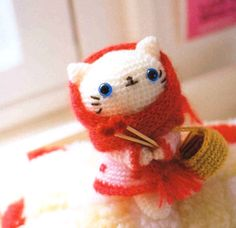"Crochet White Kitten Doll : ""Mao Mao"""