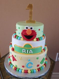 Elmo first birthday, Sesame Street themed cake