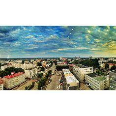 """Дом, милый дом. #syktyvkar #komi #city #sky #cloud #sunset #sun #houses #road #cars #summer #sunday #art #beautiful #colors #contrast #photo #landscape…"""