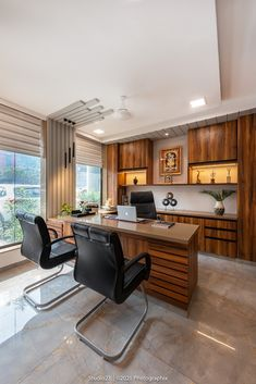Office Cabin Design, Cabin Interior Design, Showroom Interior Design, Interior Stairs, Office Designs, House Design, Corporate Interiors, Office Interiors, Office Table