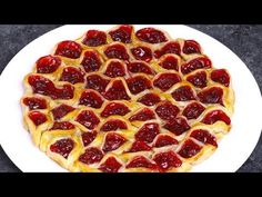 This Cherry Pie Pull Apart is a fun recipe to make for a party, and it& ready in 30 minutes. Pull apart pieces of flaky pastry and delicious cherry pie with your fingers for the ultimate bite size treat. Nutella Pie, Canning Cherry Pie Filling, Delicious Desserts, Dessert Recipes, 2 Ingredient Recipes, Bon Dessert, Cherry Desserts, Flaky Pastry, Pull Apart