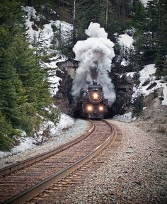 canada-pop: CP 2816 Emerges from Mt. Stephenson Tunnel
