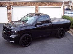 blackout11's Dodge Ram 1500 nice..cant wait to start truck shopping this weekend for smarts new truck or another jeeepy
