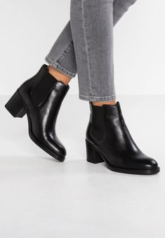 31ea1a673c0 7 Best Ankle Booties images in 2019 | Ankle booties, Boots, Earth shoes