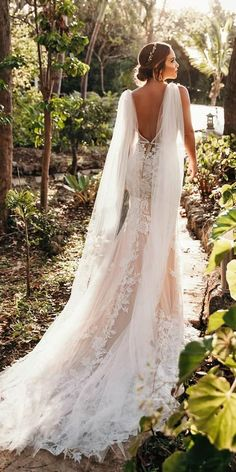 Get inspired with our lace wedding dresses gallery from famous designers, their romantic colour palette, and decorative lace. 36 Lace Wedding Dresses That You Will Absolutely Love ❤ lace wedding dresses v back with train lace country callablanchedress Muslim Wedding Dresses, Country Wedding Dresses, Dream Wedding Dresses, Designer Wedding Dresses, Bridal Dresses, Wedding Gowns, Maxi Dresses, Hijab Dress, Wedding Bridesmaids