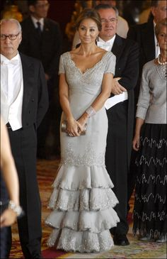 Isabel Preysler - Page 2 - the Fashion Spot Beautiful Dresses, Nice Dresses, Formal Dresses, Wedding Dresses, Fashion Over 50, Stylish Dresses, Evening Dresses, Party Dress, Womens Fashion