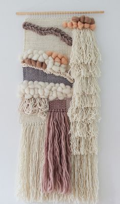 Boho look wall hanging | Boho style wall tapestry | Neutral colors | Textured wall hanging | Merino wool roving | Ivory, cream, beige, grey, peach and brown This bohemian look wall tapestry would look ideal hanging on any wall of a house that love gypsy or bohemian décor. For this