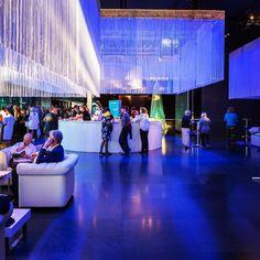 Von uns gebaut die neue #bar im #kkl #Luzern #lucerne #gastrobau #schreinerei #portmann_meier #architektur #design #interior Meier, Shops, Marina Bay Sands, Bar, Building, Travel, Design, Glass Display Case, Lucerne