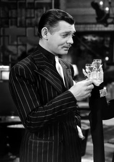 Clark Gable in a very chic and sexy pinstripe suit. Old Hollywood Stars, Vintage Hollywood, Hollywood Glamour, Classic Hollywood, Epic Film, Thing 1, Pinstripe Suit, Carole Lombard, Clark Gable