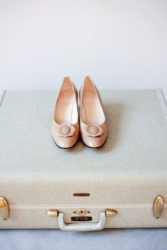 Vintage Ferragamo Pumps Size 75 by thedesignarchives on Etsy, $44.00