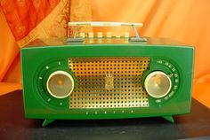 Vintage 1954 ZENITH R512F Push Button! Green! TUBE RADIO ~RARE IN THIS COLOR! ~