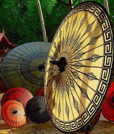 Pathein Htee (Umbrella from Pathein City, Myanmar) // szin