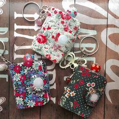 handmadebynanda: Mini Keychain Junk Journals
