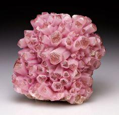 prismática rosado magnífico terminado cristales de calcita de Bou Azzer Distrito, Tazenakht, provincia de Ouarzazate, Souss-Massa-Draa Region, Marruecos: