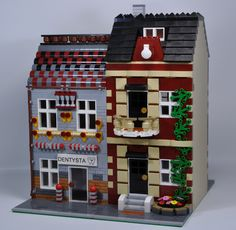 Explore biedrusek's photos on Flickr. biedrusek has uploaded 161 photos to Flickr. Lego Boards, Lego Christmas, City Model, Lego Modular, 3d Pictures, Awesome Lego, Cool Lego Creations, Lego Design, Lego Architecture