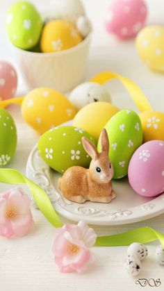 """Easter """"Design studio"""" Easter Peeps, Hoppy Easter, Easter Bunny, Birthday Wishes Flowers, Happy Birthday Flower, Bisous Gif, Easter Wallpaper, Easter Season, Easter Table Decorations"""