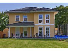 Verona - #Einfamilienhaus von Bau- GmbH Roth | HausXXL #Stadtvilla #Massivhaus #mediterran #Walmdach