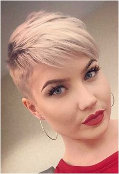 Cool Platinum Pixie Haircut for Thin Hair Ideas is the first choice for many women - Hair Styles Stylish Short Haircuts, Thin Hair Haircuts, Short Pixie Haircuts, Pixie Hairstyles, Pixie Haircut Thin Hair, Short Sassy Hair, Short Hair Cuts For Women, Short Hair Styles, Really Short Hair