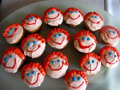 HOW ABOUT THIS for A LITTLE ICING on THE CAKE?? CUPCAKES THAT LOOK LIKE ME!! GOOD LOOKING and EXTRA SWEET to BOOT!! :-)
