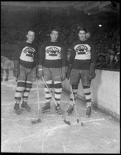 Old time hockey. Boston Bruins Hockey Players- Eddie Shore, George Owen, and Lionel Hitchman Ice Hockey Players, Ice Hockey Teams, Hockey Stuff, Hockey Mom, Sports Teams, Boston Bruins Hockey, Chicago Blackhawks, Montreal Canadiens, Hockey Highlights
