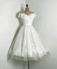 <3 <3 50's Wedding Dress
