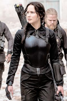 Katniss in black armour