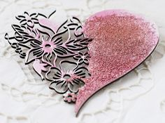 Hi my friends and Lindy's Stamp Gang fans)) It's Irina Gerschuk with you today and I'd like to share with you a short video with a quick and fun technique and a few projects created using it. Diy And Crafts, Arts And Crafts, Mo Manning, Embossing Powder, Projects To Try, Card Making, Crafty, Beads, Color