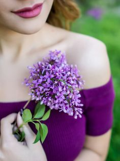 """Time for a change with """"Peggy's Purple Garden"""" ♥ Flower Girl Photos, Girls With Flowers, Lilac Flowers, Girl Photography Poses, Creative Photography, Shades Of Purple, Green And Purple, Merci Marie, Purple Garden"""