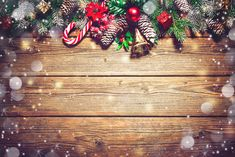 Christmas background with fir tree and decoration on dark wooden board Christmas Background Desktop, Christmas Background Photography, Christmas Wallpaper, Wallpaper Natal, More Wallpaper, Wallpaper Backgrounds, Christmas Snowflakes, Rustic Christmas, Christmas Art