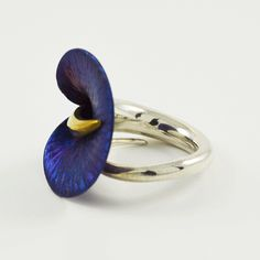 An exquisite calla lily ring in blue titanium and sterling silver and gold. Large range of calla lily jewellery available online and we ship worldwide. Contemporary Jewellery, Modern Jewelry, Gold Jewelry, Agate Ring, Selling Jewelry, Ring Designs, Wedding Accessories, Gemstone Rings, Silver Rings