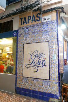 Malaga en 2 jours : tout pour découvrir la bonne surprise de l'Andalousie Coups, Tapas, Road Trip, Spain, Travel, Beautiful, Cities, Andalusia, Tips