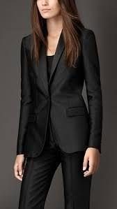 Resultado de imagen para traje ejecutivo mujer