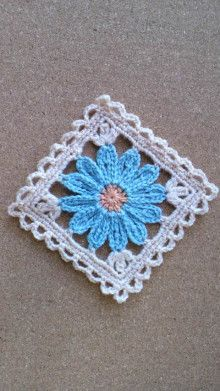 Flower motif Photo album no instructions Japanese, but keeping for when I can read charts well enough to figure it out Crochet Afghan - Baby Blue and This pattern along with other granny square/motif patterns will make a great afghan. This Pin was discove Granny Square Crochet Pattern, Crochet Blocks, Crochet Squares, Crochet Granny, Crochet Motif, Crochet Stitches, Crochet Patterns, Granny Squares, Flower Granny Square