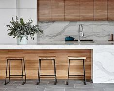 Dark, light, oak, maple, cherry cabinetry and wood kitchen cabinets how to clean. CHECK THE IMAGE for Many Wood Kitchen Cabinets. Refacing Kitchen Cabinets, Kitchen Countertops, Kitchen Backsplash, Kitchen Island, Kitchen Appliances, Home Decor Kitchen, Kitchen Interior, Kitchen Ideas, Kitchen Colors