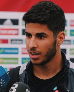 Marco Asensio���� Real Madrid Team, Real Madrid Players, James Rodriguez, Perfect Couple, Back Off, Cristiano Ronaldo, Male Beauty, Football Players, Tricks