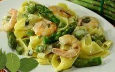 Pappardelle asparagi e gamberi - Un primo piatto gustoso e dal sapore delicato che saprà stupire i palati più raffinati. Semplice ma di grande effetto è l'ideale per un pranzetto estivo o primaverile.