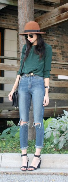 How to create balanced and proportional outfits with five common pairs of pants. Every lady needs to read this! So good!