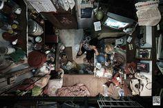 Hong Kong Apartments from Above3aL'organisation Society for Community a imaginé avec l'agence Publicis HK cette campagne baptisée « Hong Kong Apartment From Above » pour dénoncer des conditions de logement inacceptables dans la ville de Hong-Kong