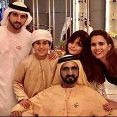 Sheikh Mohammed bin Rashid Family Dubai Royal Family Prince Crown, Royal Prince, Princess Haya, Jordan Royal Family, Royal Family Pictures, Thanks My Friend, Handsome Arab Men, Prince Mohammed, Sheikh Mohammed