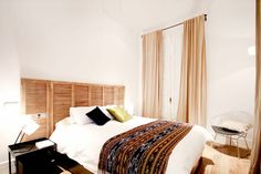 Un apartamento turístico con encanto en el centro - Decorabien.com #dormitorio #matrimonio #habitación #ideas #decoración #interiorismo #natural