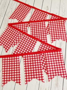 Items similar to Red Buffalo Plaid Banner- Red & White Checked Bunting- Gingham Garland- Indoor Outdoor Christmas Decoration- Farmhouse style Barbecue Decor on Etsy Summer Party Decorations, 4th Of July Decorations, Outdoor Wedding Decorations, Gingham Party, Red Party, Red Gingham, Rustic Birthday Parties, Picnic Birthday, 30th Birthday