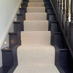 House Stairs, Carpet Stairs, Staircase Runner, Runners For Stairs, Carpet Stair Runners, Dark Staircase, Hallway Designs, Hallway Ideas, Hallway Inspiration